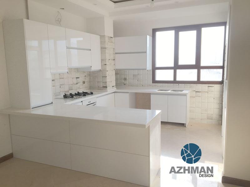طراحی آشپزخانه مدرن با سنگ کورین سفید براق