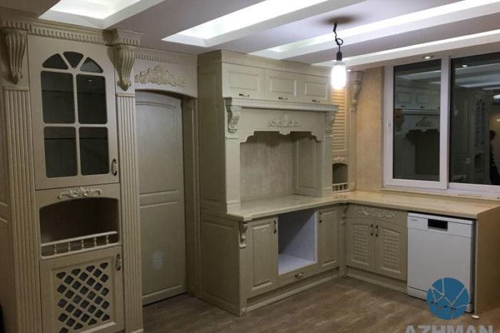 آشپزخانه کلاسیک با سنگ کورین