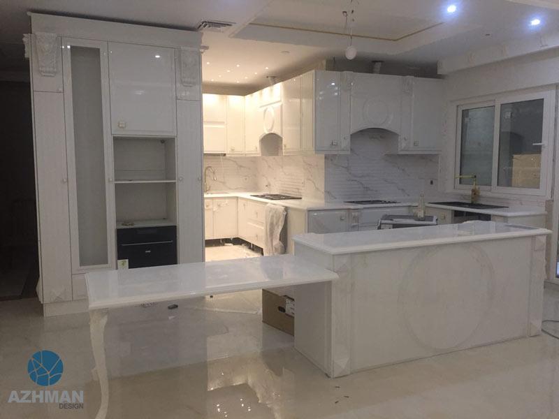 جزیره آشپزخانه با سنگ کورین