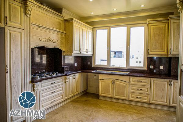 آشپزخانه کلاسیک با کورین مشکی